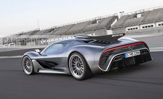 🏎Mercedes-AMG Project One hypercar almost ready for Frankfurt debut. Mercedes-AMG's shown us the Formula powertrain and suspension of its code-named P. Mercedes Amg, Luxury Hybrid Cars, Luxury Cars, Ferrari Laferrari, Lamborghini, Bugatti Veyron, Petronas, Porsche 918 Spyder, Automobile