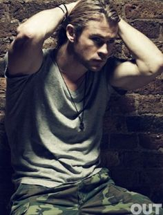 Chris Hemsworth - 2012-- @bayleepalmer this ones for you.. Liam is way hotter