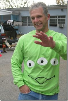 Toy story aliens T-shirt / costume (freezer paper stenciling)