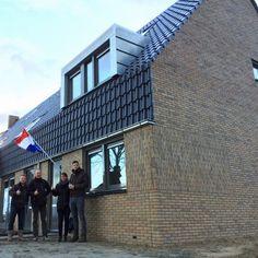 14 december 2017 zijn de eerste 2 woningen opgeleverd aan ontzettend tevreden bewoners in het CPO project in De Weere. We wensen ze veel woonplezier.