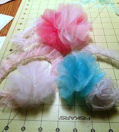 DIY tulle baby headband. Super easy to make! #diybaby #diyheadband #tulleheadband #babyheadband