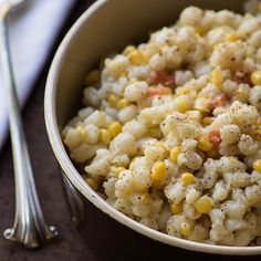 Many people scorn traditional samp as 'poor man's food', but if prepared properly, it is an excellent starch accompaniment instead of rice. South African Desserts, South African Recipes, Africa Recipes, Braai Recipes, Cooking Recipes, How To Cook Samp, Side Dishes Easy, Side Dish Recipes, Zambian Food