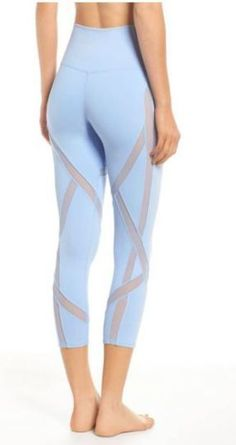 Yoga Clothes : Need these leggings! Body-mapped mesh insets ventilate heat and create an edgy look on stretchy leggings with a smoothing high waistband and cropped length. Workout Attire, Workout Wear, Workout Style, Sporty Outfits, Athletic Outfits, Athletic Clothes, Fall Outfits, Yoga Fashion, Fitness Fashion