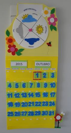 Calendário + Tabela do Tempo em EVA | EVA E OUTRAS ARTES SOB MEDIDA | Elo7 Classroom Birthday, Classroom Jobs, Classroom Decor, School Door Decorations, Class Decoration, School Calendar, Kids Calendar, Preschool Learning, Preschool Activities