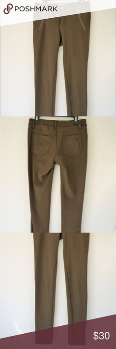"""Green Medium skinny pants by Selena Gomez brand Dark green, tight, skinny pants by Selena Gomez brand """"Dream Out Loud"""". Size Medium. These pants make your butt look good! Only wore a few times. Dream Out Loud by Selena Gomez Pants Skinny"""