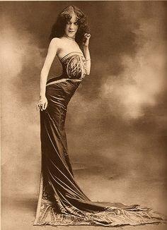Edith La Sylphe, p. 1900