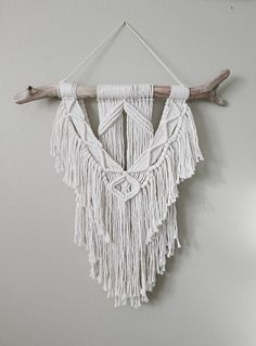 》》Materials《《 I use 100% cotton cord and collect driftwood from Lake Michigan 》》Measurements《《 Branch width- 18 inches Macramé length(includes hanger) - 25 inches 》》Not seeing quite what you want?《《 Message me and we can chat! Allow 2-3 weeks for custom orders 》》Return Policy《《