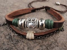 Owl silver beads leather bracelet, owl bracelets, WANT! I Love Jewelry, Charm Jewelry, Boho Jewelry, Jewelry Crafts, Beaded Jewelry, Jewelery, Jewelry Design, Women Jewelry, Jewelry Making