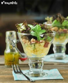 Salad with Duck Ham and Apple. Salad with duck ham and apple. (in Spanish) Fresco, Pork Recipes, Salad Recipes, Rice Dishes, Finger Foods, Guacamole, Poultry, Acai Bowl, Tapas