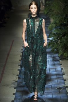 Majestic green Chantilly lace dress by Erdem (Spring-Summer 2015).