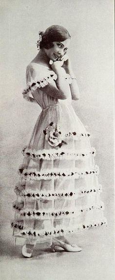 Les Modes (Paris) March 1921 robe de style par Jeanne Lanvin