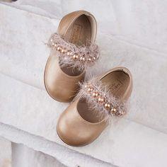 Детски обувки подходящи за кръщене и вашият специален повод Mary Janes, Little Girls, Flats, Shoes, Fashion, Loafers & Slip Ons, Moda, Toddler Girls, Zapatos