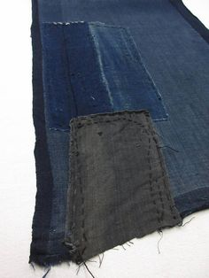 "vintage Japanese indigo boro fabric ""RANRU"" ""AIZOME""  Free shipping!  No.1801056"