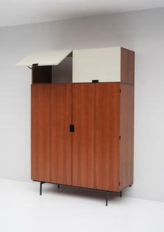 Japanese Series Wardrobe by Cees Braakman for Pastoe, for sale at Pamono 1950s Furniture, City Furniture, Cabinet Furniture, Furniture Styles, Furniture Design, Armoire For Sale, Wardrobe Furniture, Clean Space, Dressing
