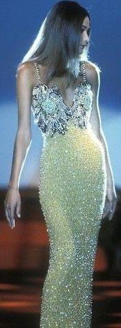 90s Fashion, Runway Fashion, High Fashion, Fashion Beauty, Carla Bruni, Versace Dress, Prom Dresses, Formal Dresses, Gianni Versace