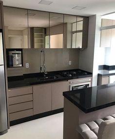 Small Condo Kitchen, Kitchen Room Design, Home Room Design, Modern Kitchen Design, Interior Design Kitchen, Small Apartment Interior, Kitchen Units, Kitchen Ideas, Cuisines Design