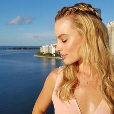 All The Times Margot Robbie Has Aced It On The Red Carpet – Celebrities Woman Margot Robbie Movies, Margot Robbie Pictures, Margot Elise Robbie, Margo Robbie, Actress Margot Robbie, Hollywood Actresses, In Hollywood, Actors & Actresses, Margaret Robbie
