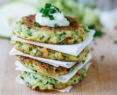 Xtreme Diet Transform Your Body To Look Your Best Ever Easy Healthy Recipes, Diet Recipes, Vegan Vegetarian, Vegetarian Recipes, Comida India, Menu Dieta, Zucchini Fritters, Salmon Burgers, Zucchini Burgers