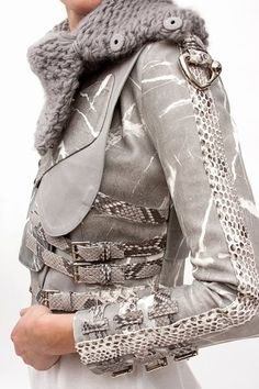 Only Fashion, Womens Fashion, Biker Wear, Couture Details, Cute Jackets, Leather Fashion, Passion For Fashion, Fashion Forward, Winter Fashion