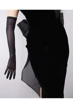 Vintage Style Satin Long Opera Mesh Evening Glove - Ebony Black A must-have accessory with our evening gowns! One size fits all. Approximately 20 inches long Vintage Outfits, Vintage Fashion, Vintage Style, Vintage Dress, Dressy Casual Outfits, Gloves Fashion, Gala Dresses, Opera, Fashion Outfits
