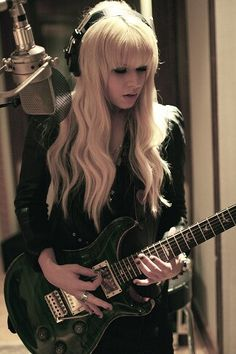 Orianthi, one of the best female guitarists. #music #guitarist http://www.pinterest.com/TheHitman14/musician-guitarists-%2B/