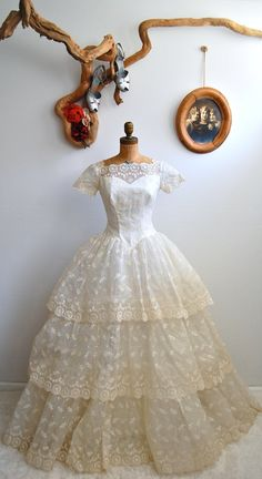 Vintage 1950s Wedding Dress  50s Sweetheart Gown by BohemianBisoux, $498.00