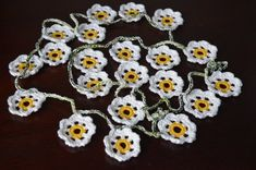 Daisy Chain, Flower Garlands, Crochet Accessories, Summer Flowers, Crochet Flowers, Bunting, Yarns, Decorating Your Home, Travelling