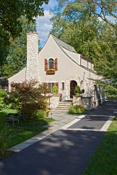 Traditional Exterior Design, Pictures, Remodel, Decor and Ideas - page 8 Cottage Design, House Design, Yard Design, Door Design, Carriage Lights, Craftsman Exterior, Exterior Homes, Cute Cottage, Modern Cottage