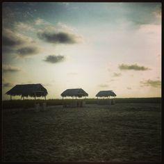 Paraíso escondido de mi tierra!! #beach #sunset #LoveLife #LiveisLife #paradaise #sand #Cojimíes #Manabí #Ecuador - @paulogarzon
