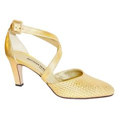 Gold BOTTEGA VENETA leather woven shoes sz 9 new   See more vintage Shoes at https://www.1stdibs.com/fashion/clothing/shoes/shoes in 1stdibs