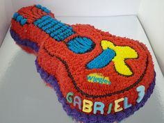 Wiggles Guitar Cake - I might have to make this for Carter's birthday Wiggles Birthday, Wiggles Party, 2nd Birthday, Birthday Parties, Cupcake Cakes, Cupcakes, Guitar Cake, Music Party, Homemade Cakes