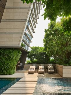 Rosewood Hotel, Bangkok, Thailand. Architectural photographer Asia Marriott Hotels, Hotels And Resorts, Best Hotels, Peninsula Bangkok, Bangkok Hotel, Bangkok Thailand, Rosewood Hotel, Hotel Architecture, Fine Hotels