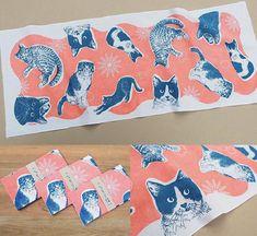 いしかわ生活工芸ミュージアムで12月11日より開催される「こっそり猫展」の期間限定グッズの猫手ぐい!一枚一枚手刷りのハンドメイド! #猫イラスト #猫の絵 #猫のイラスト #catart #手ぬぐい #手拭い #猫 Ishikawa, Moose Art, Illustration, Animals, Design, Animales, Animaux, Animal, Animais