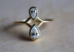Pear Cut Diamond Ring, 18k gold