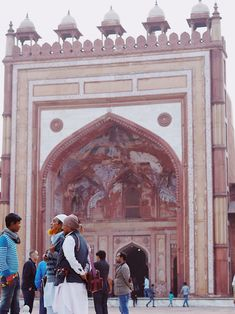 Exploring the exquisite palaces, forts and temples of Northern India with Maharajas' Express. The places I loved in Jaipur, Lucknow, Varanasi, Agra & more. #india #indiatravel #fatehpursikri