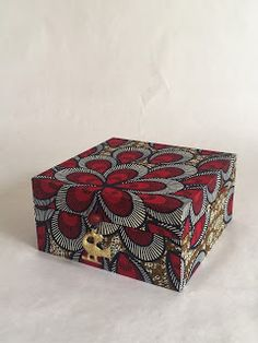 Quilts and Boxes: More Box-Making tutorials online on my YouTube channel!