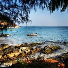 Bom dia!!!! Perdidos em uma praia deserta… #viajar #cultura #crescimento #liberdade #ParadiseBeach #Gokarna #IndiaColors #India