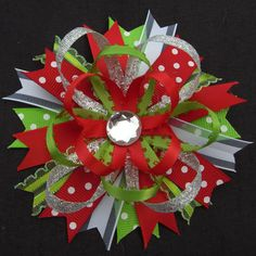 Christmas Hair Bow-- as an idea Ribbon Hair Bows, Diy Hair Bows, Diy Bow, Bow Hair Clips, Christmas Hair Bows, Barrettes, Hairbows, Hair Bow Tutorial, Diy Headband