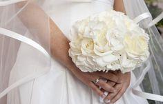#bouquet de hortensias y rosas blancas. Echa un vistazo a mi último post para saber más acerca de tu ramo de #novia #boda #bride #wedding
