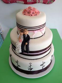 Wedding cake #thecakeisonthetable