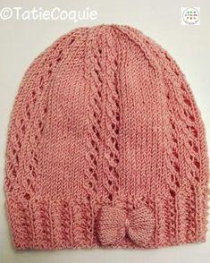 Ce bonnet pour enfant (1 à 2 ans) se tricote en environ 3h30. A vos  aiguilles ! Sur www.unepeloteetdeuxaiguilles.org, utilisez mes modèles  personnels en ... 7cd7376d375