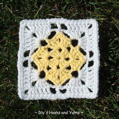 ~ Dly's Hooks and Yarns ~: ~ square in a square ~