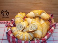 Majonézes kifli Izu, Shrimp, Sausage, Drink Recipes, Brot, Sausages, Shot Recipes, Chinese Sausage