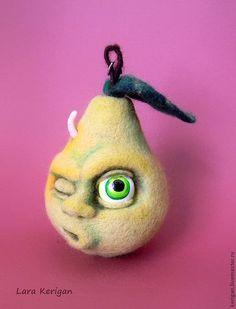 Купить Груша-тот еще фрукт - салатовый, груша, смайлик, мордочка, глаз, зеленая, лето, фрукт, шерсть