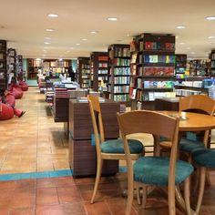 Book City | شهر کتاب مرکزی  Shariati St., Tehrān, Ostān-e Tehrān