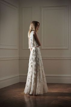 delicately embellished - embroidery, while chic separates wedding dress offer a unique and versatile options for contemporary brides. #weddingdress #weddingdresses #weddinggown #bridalgown