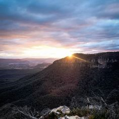 Golden hour in the #BlueMountains.