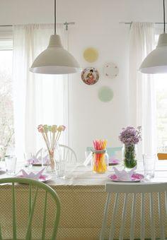 Linda mesa en tonos pasteles - Deco & Living