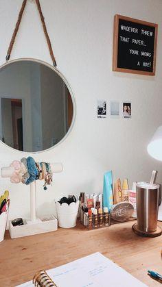 Room decor - 35 Makeup Room Ideas To Brighten Your Morning Routine MakeupRoomVanity Inspirations Bedroom MakeupRoomIdeas DollarStores MakeupRoomIdeas VanityMirrorWithLights OnABudget MakeupRoomIdeas room Cute Room Ideas, Cute Room Decor, Diy Room Ideas, Wall Ideas, Diy Ideas, Bedroom Ceiling, Room Decor Bedroom, Bedroom Ideas, Bedroom Inspo