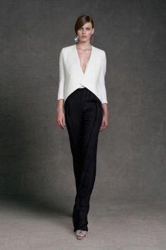 8cb4c2d29b946 Giacca bianca e pantalone nero di Donna Karan - Completo da cerimonia con  pantalone nero e